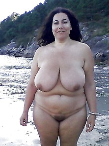 Bbw Matures And Grannies At The Beach 260