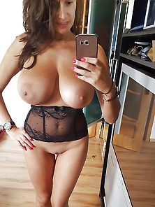 Sensual Jane Selfie
