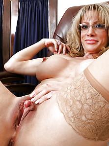 Sexy Women In Nylon 32