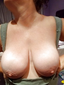 Bbw Wife 38Ff Natural Breasts Showing Her Tits