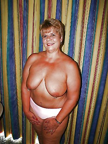 Bbw With Small Tits And Big Ass !