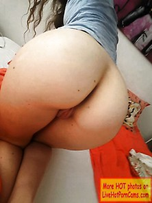 Sexy Amateur Teen Showing Her Pussy & Her Ass On Webcam!