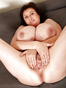Mature With Big Tits 4