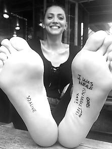 Neus Bermejo - Amazing Tattooed Feet