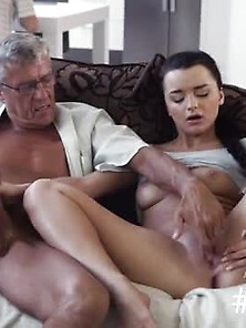 Pussy Licking And Fucking Threesome What Would You Choose - Comp