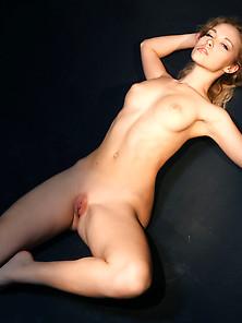 Alissa white-gluz nude