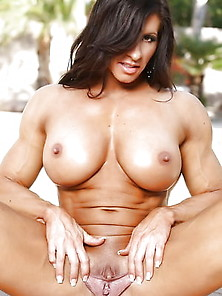 Superstar Lady Body Builders Nude Photos