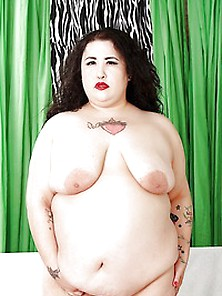 Sexy Bbw Moon Baby Takes It All Off